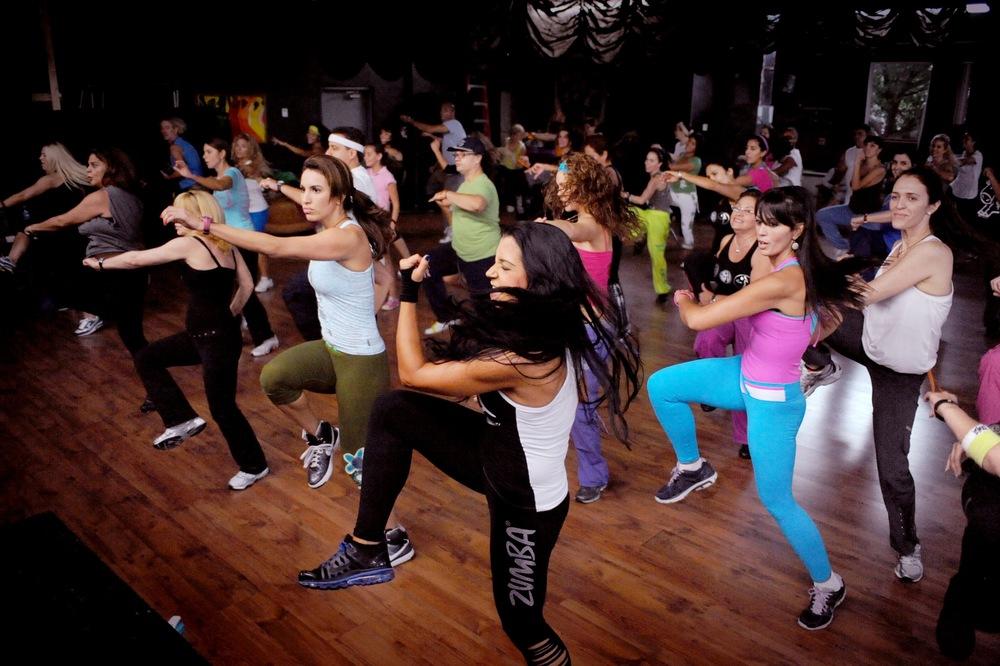 dancing_women